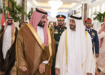 بن سلمان يصل إلى الإمارات وبن زايد يستقبله بالمطار
