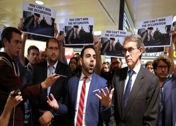 بعد ترحيله.. عمر شاكر يبدأ جولة أوروبية لفضح انتهاكات إسرائيل