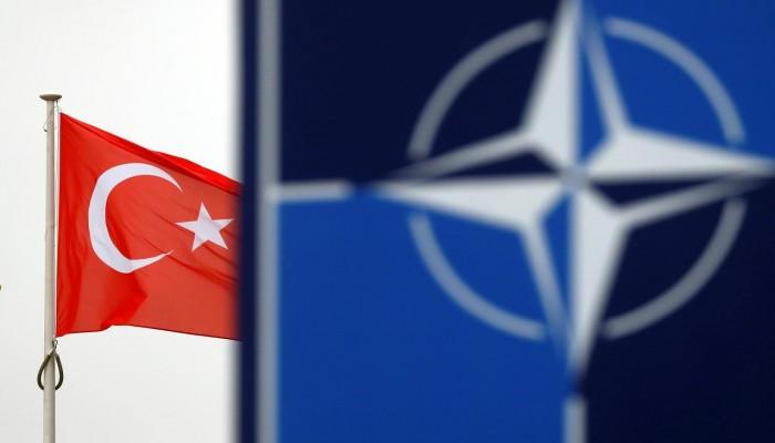 تركيا متمسكة بطلب خطة من الناتو لحماية أراضيها