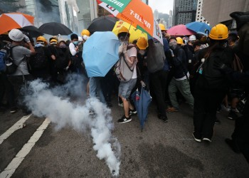رغم غضب الصين.. ترامب يوقع قانونا لدعم متظاهري هونج كونج