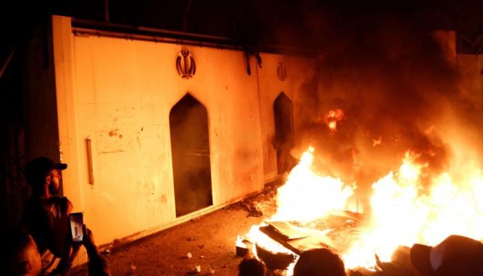 إيران تحتج رسميا على إحراق قنصليتها في النجف العراقية