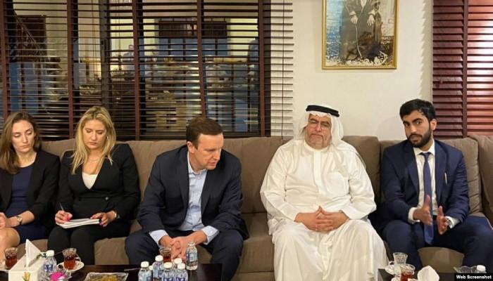 برلماني بحريني يستنكر زيارة سيناتور أمريكي لمنزل نبيل رجب