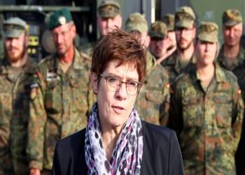 ألمانيا تتعهد بمكافحة الميول النازية المتطرفة في صفوف جيشها