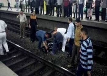 من أعلى البرج وتحت عجلات المترو.. انتحار شابين بالقاهرة