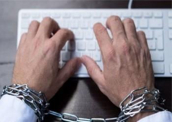 الإندبندنت: الصحفيون في مصر يواجهون القمع اليومي