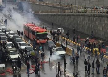 كيف نجح النظام الإيراني في احتواء احتجاجات البنزين؟