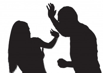 دراسة: العنف المنزلي له تأثير مدمر على حياة النساء المهنيّة