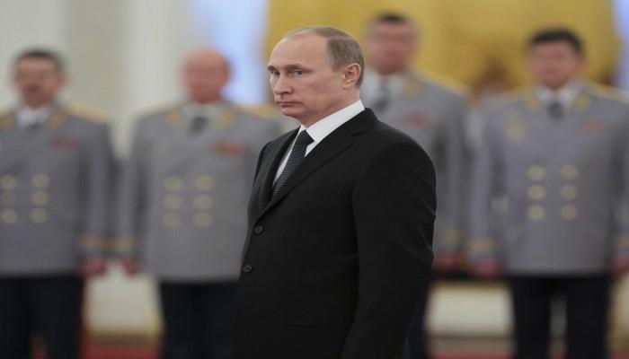 بوتين يصادق على قانون يوسّع توصيف العميل الأجنبي