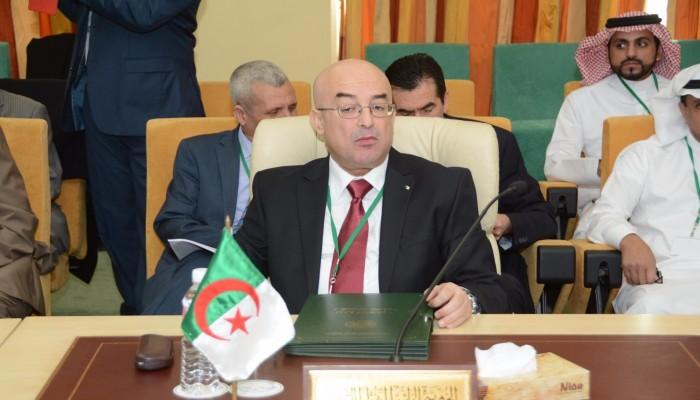 وزير الداخلية الجزائري يهين معارضي الرئاسيات: خونة وشواذ