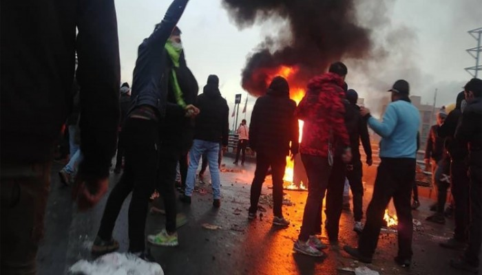 MEI: الاحتجاجات قد تشجع طهران على اعتماد استراتيجية البلطجة