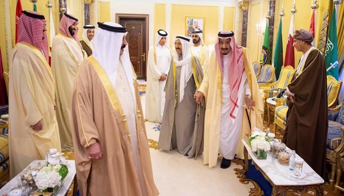 السعودية تلقي حل الأزمة في ملعب قطر.. والكويت تتفاءل