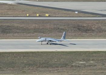 """تركيا تجري أول اختبار طيران """"ناجح"""" لطائرة مسيرة مسلحة"""