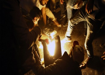 لبناني يضرم النيران في نفسه وسط بيروت