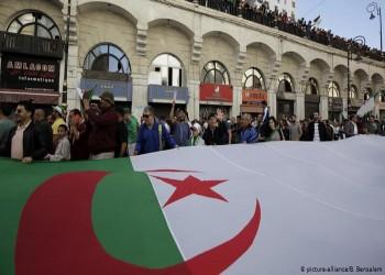مراقبون: انتخابات الرئاسة بالجزائر تنذر بصدام بين النظام والمحتجين