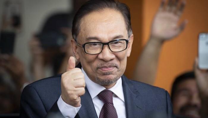 الشرطة الماليزية تستجوب أنور ابراهيم بشأن مزاعم اعتداء جنسي
