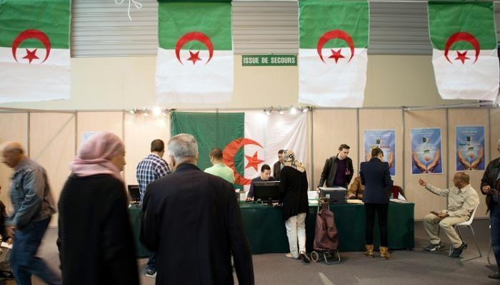 بن صالح يدعو الجزائريين لانتخاب مرشح يخرج البلاد من وضعها