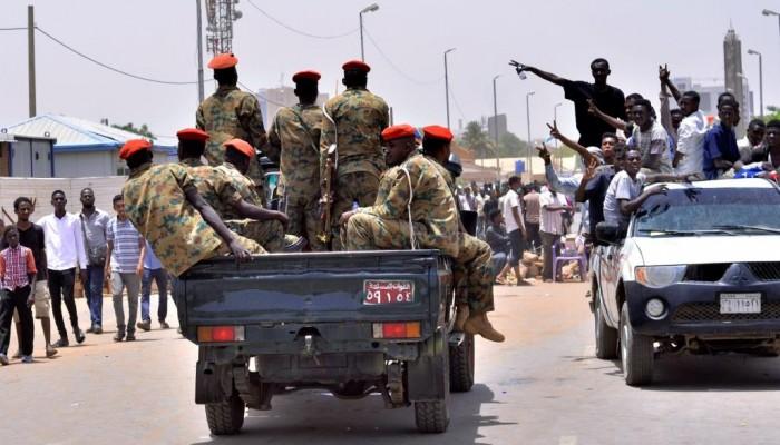 السودان.. الجيش ينتشر في الخرطوم عشية الحكم على البشير
