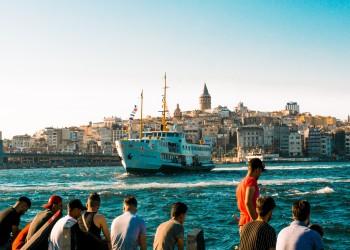 تركيا تسمح بدخول شريحة من الليبيين بدون تأشيرة