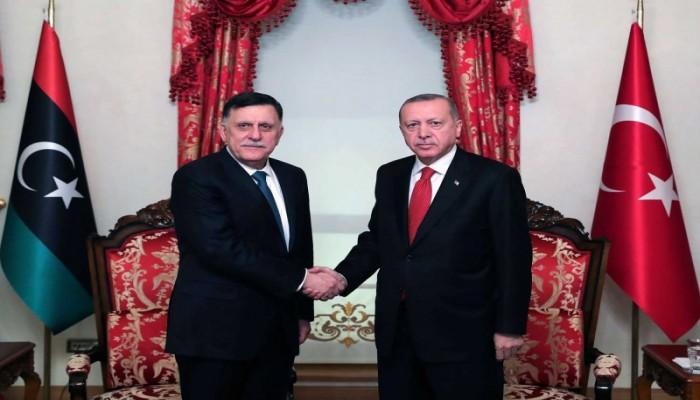 أردوغان يبحث مع السراج في إسطنبول التعاون بين البلدين