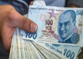 الليرة التركية تسجل أضعف مستوياتها في شهرين
