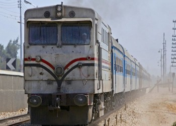 مصرع 7 مصريين وإصابة 5 في حادث قطار شمال القاهرة