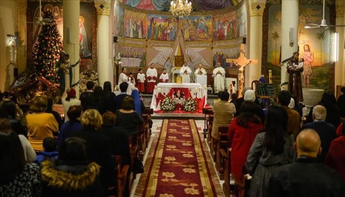 مسيحيو غزة يقيمون قداس عيد الميلاد من أجل السلام