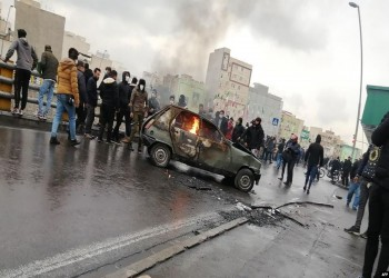 السلطات الإيرانية تستبق موجة احتجاجات جديدة بقطع الإنترنت