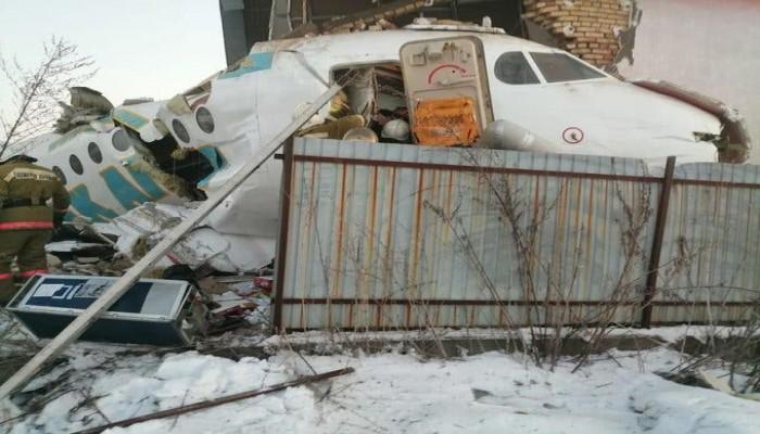 مقتل 14 على الأقل في سقوط طائرة بكازاخستان