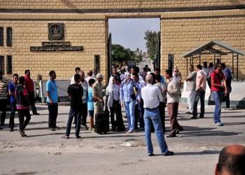 مطالبات بالتحقيق عقب وفاة صحفي مصري بسجن العقرب