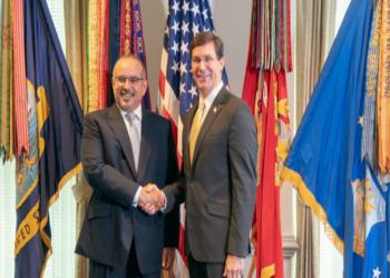 وزير الدفاع الأمريكي يتصل بولي عهد البحرين.. ماذا ناقشا؟