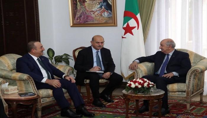 الرئيس الجزائري يبحث مع وزير الخارجية التركي الأزمة الليبية