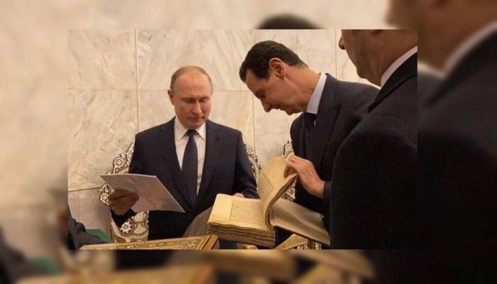 الأسد يقدم لبوتين هدية أثرية خلال جولة بدمشق