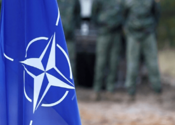 الناتو يسحب مؤقتا بعض قواته من العراق