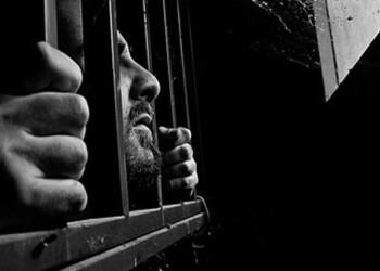 مصر.. حملة لإنقاذ المعتقلين من الموت بردا بسجن العقرب
