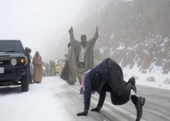 مشاهد أوروبية لاكتساء تبوك السعودية بالثلوج (فيديو وصور)