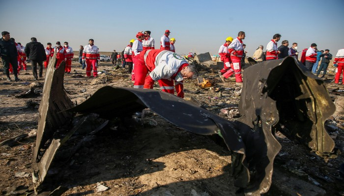 روحاني وظريف يأسفان لإسقاط الطائرة الأوكرانية: خطأ غير مقصود
