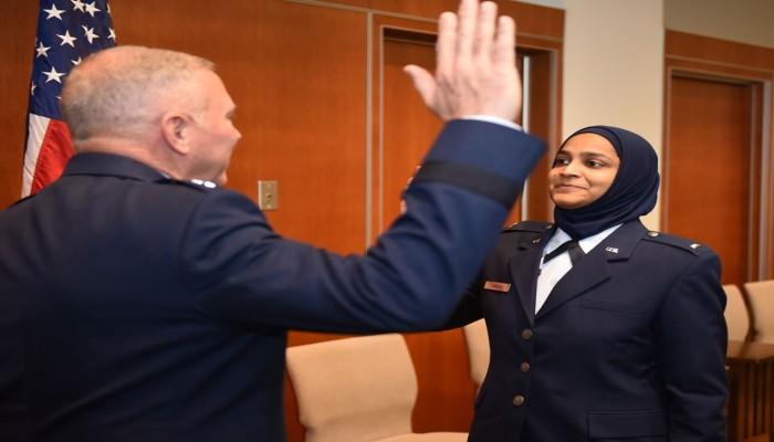 صالحة جابين.. أول واعظة مسلمة بسلاح الجو الأمريكي