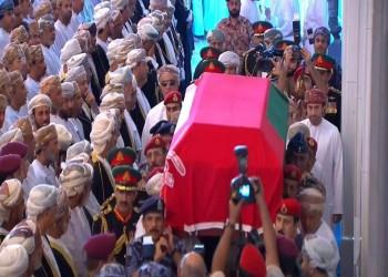 آلاف العمانيين يشيعون قابوس إلى مثواه الأخير