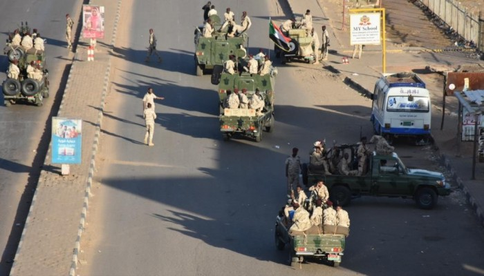 البرهان يعلن إنهاء التمرد وإعادة فتح المجال الجوي للسودان