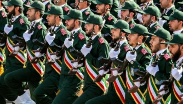 إنتليجنس: نفوذ الحرس الثوري الإيراني مهدد وخامنئي قد يرحل