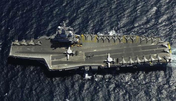 حاملة الطائرات شارل ديجول تبحر إلى شرق المتوسط