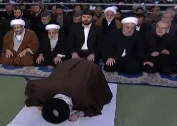 انصراف روحاني السريع بعد خطبة خامنئي يثير جدلا (فيديو)