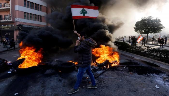 الرئيس اللبناني يطلب من الجيش استعادة الهدوء وسط بيروت