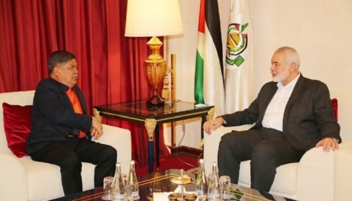 وزير دفاع ماليزيا يلتقي هنية في قطر