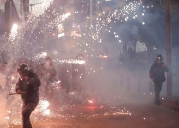 الهدوء يعود إلى بيروت بعد انسحاب المتظاهرين وإصابة 90
