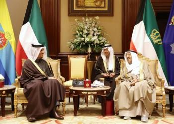 أمير الكويت يتسلم رسالة شفهية من أمير قطر