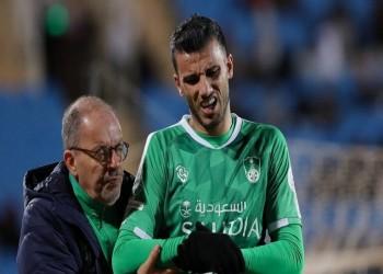 الأهلي السعودي يخسر هدافه عمر السومة عدة مباريات للإصابة