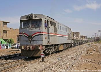 تعديل تشريعي مصري يمهد لبيع أراضي السكك الحديدية