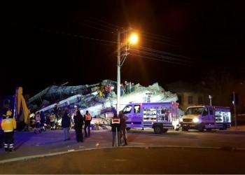 27 قتيلا و225 جريحا جراء زلزال قوي ضرب تركيا (صور)