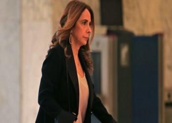 مشهد راقص يثير ضجة ضد أول وزيرة دفاع لبنانية
